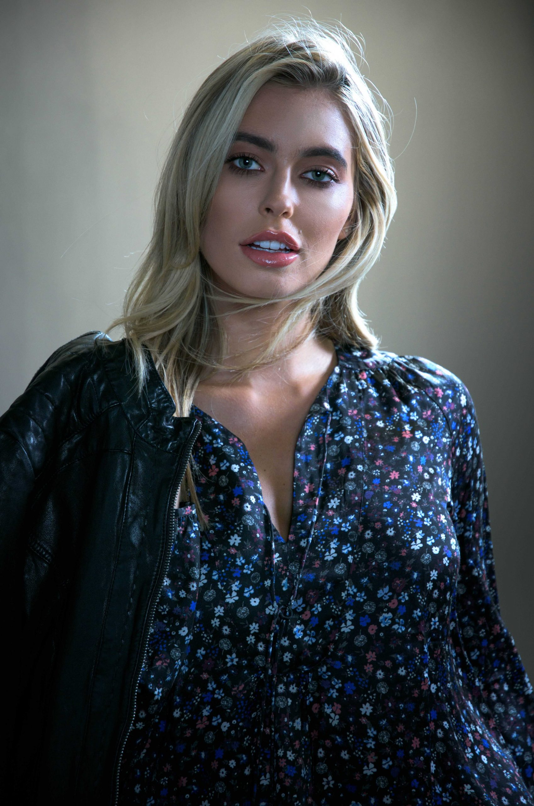 model amy neville